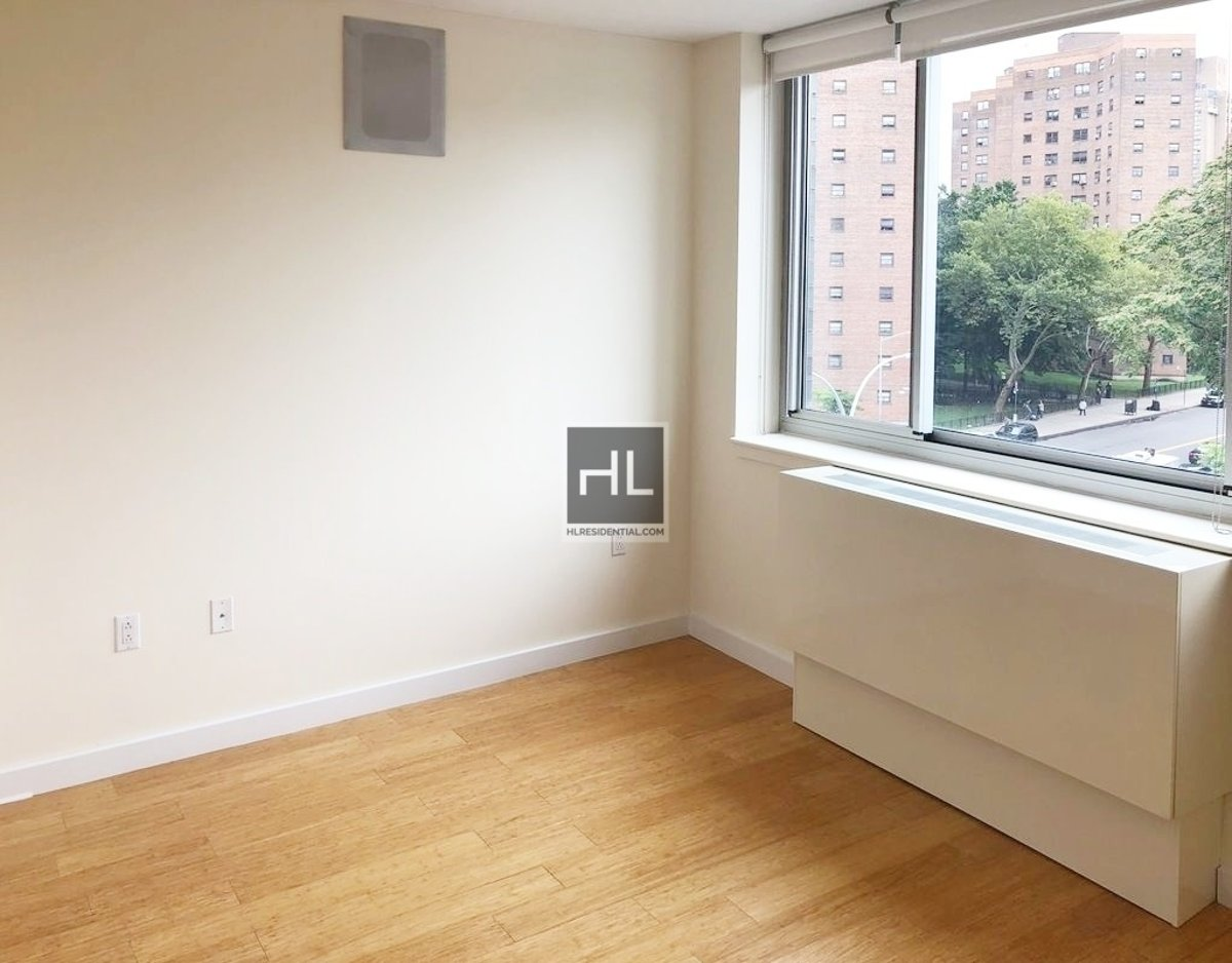 Luxury 1 Br Flex 2 Br Washer Dryer Gym Rooftop Large 1 Bedroom With Flex Wall Included To Become A 2 Bedroom Floor To Ceiling Windows Concierge Roof Terrance